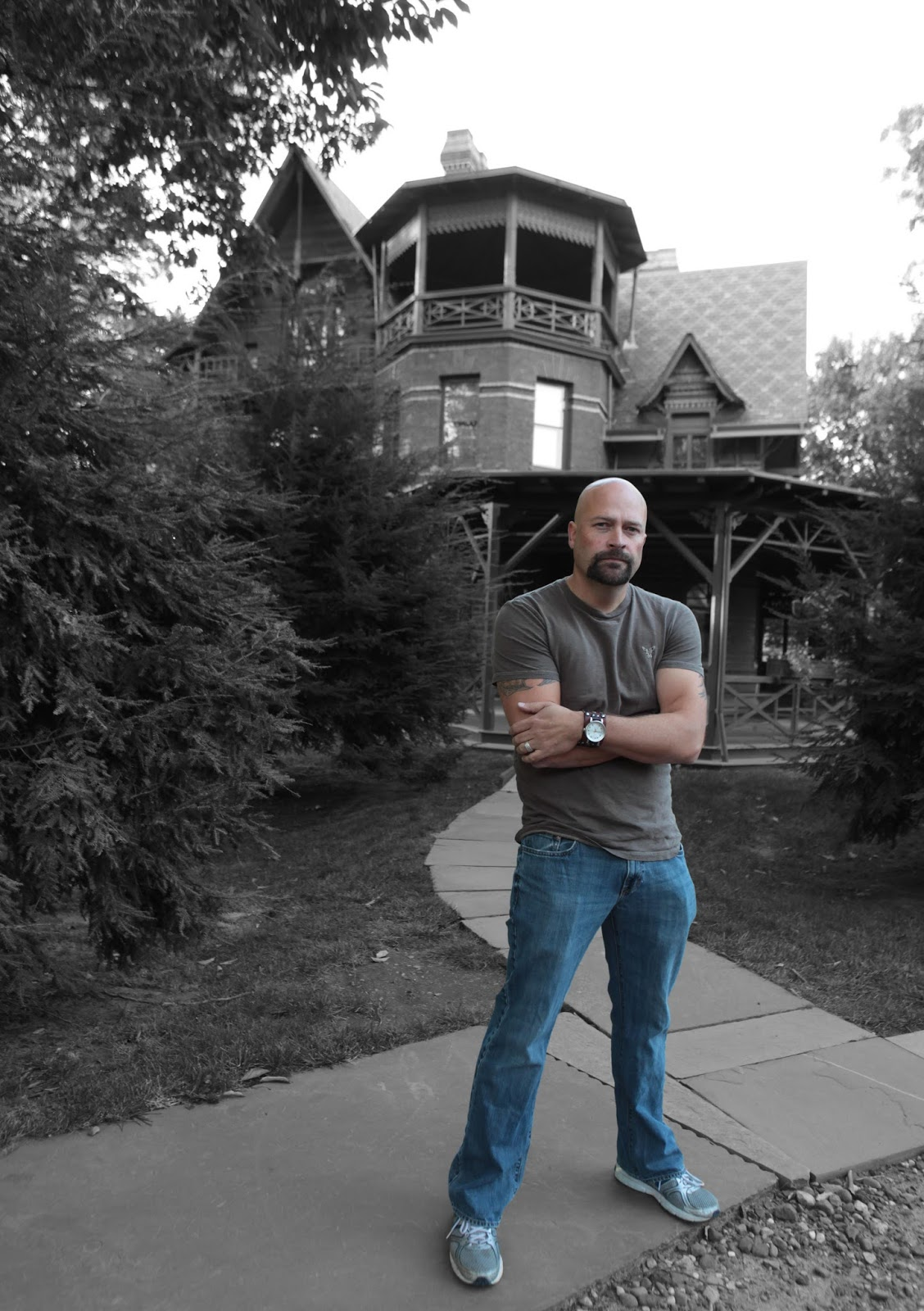 Haunted Magazine: YOU CAN TAKE THE MAN OUT OF GHOST HUNTERS
