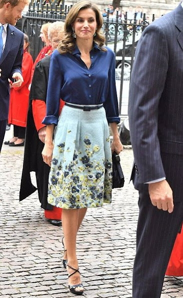 Queen Letizia wore Carolina Herrera silk taffeta blouse and Carolina Herrera Flower Fil Coupe Party skirt. Carolina Herrera Sandals