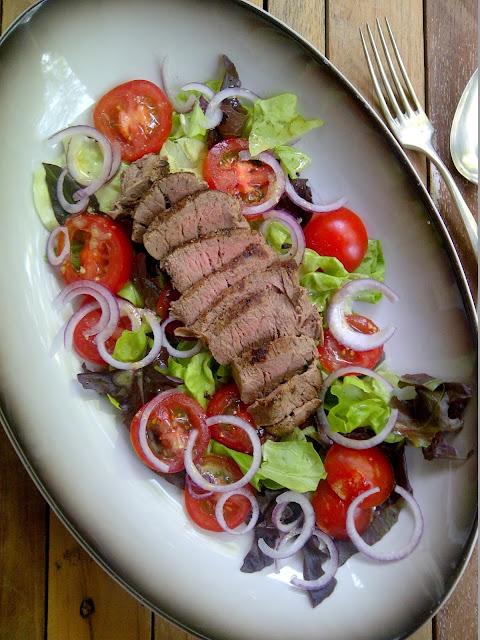 salade biefstuk mosterd