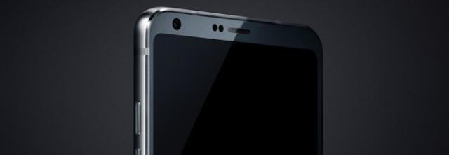 LG G6 branco é fotografado ao lado de um LG G5