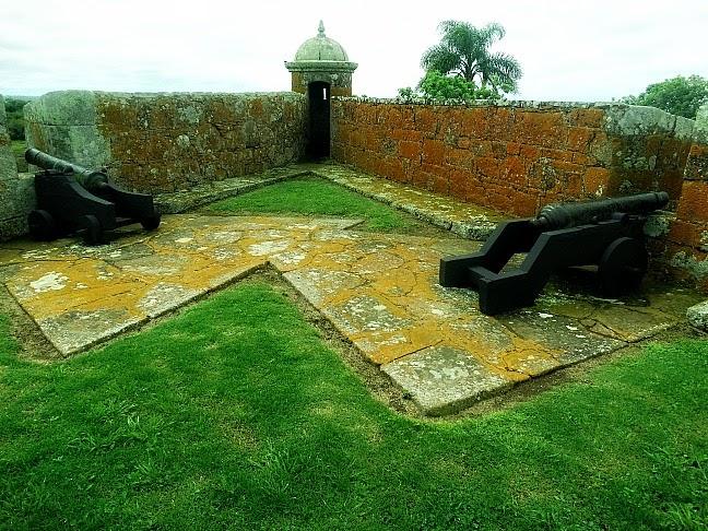 O Fuerte de San Miguel, no Chuy, foi projetado por José da Silva Paes