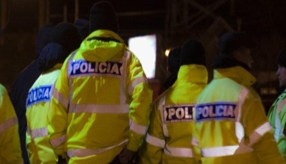 Policia detenido por balear a un joven