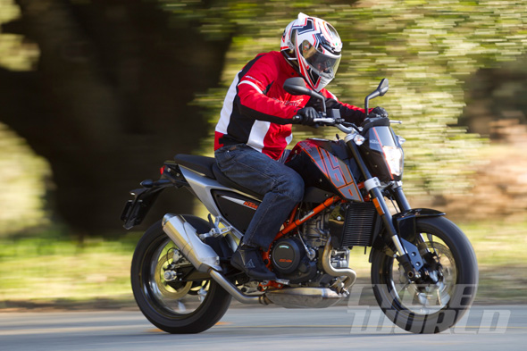 motorcyclesky-2014-KTM-690-Duke_lead