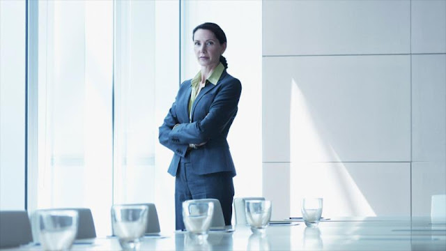¿Cuál es el empleo en que las mujeres ganan más que los hombres?