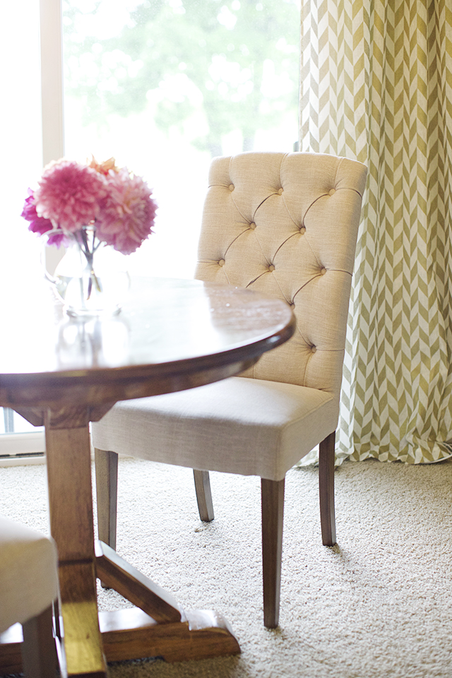 dining room, dining chairs, tufted dining chair