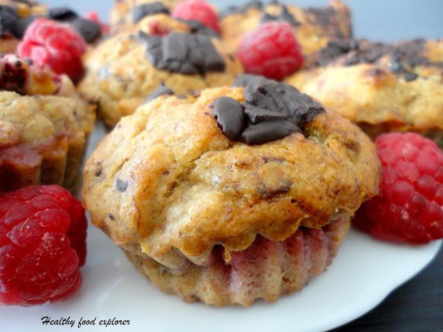 Muffinki z malinami i czekoladą