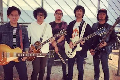 merupakan sebuah grup musik Indonesia asal kota Jakarta yang terkenal Daftar 10 Lagu D'Masiv Terbaik dan Terpopuler yang Bagus
