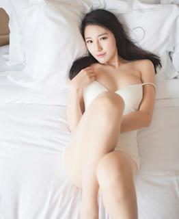 gái xinh show hàng trên giường xinhgai.biz