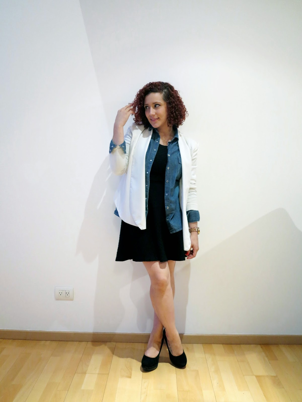http://www.tastemycloset.com/2014/10/black-dress-white-blazer.html