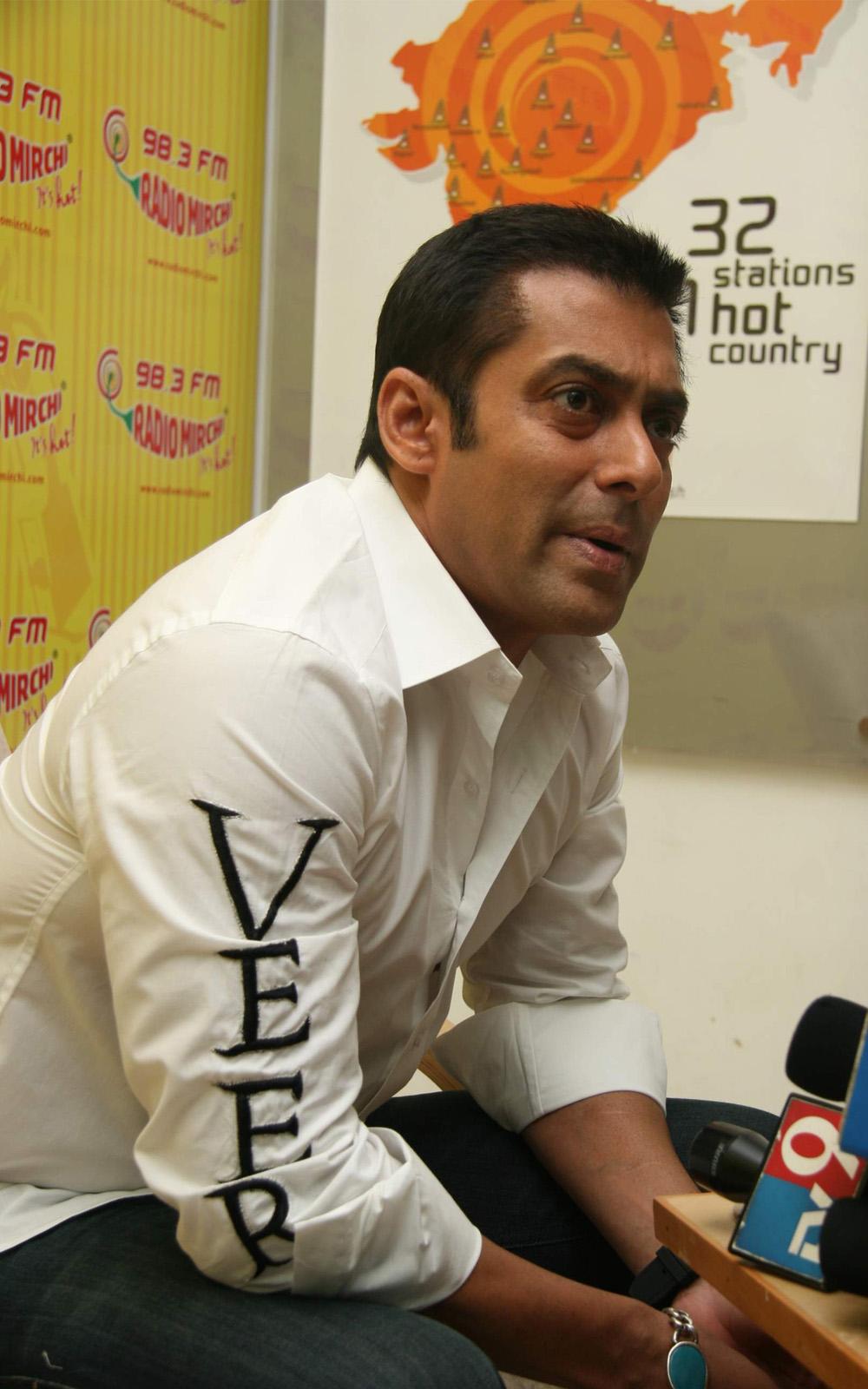 Salman Khan Top Hd Wallpapers