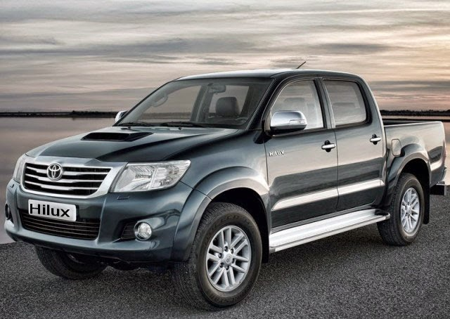 Ford Ranger hay Toyota Hilux ?