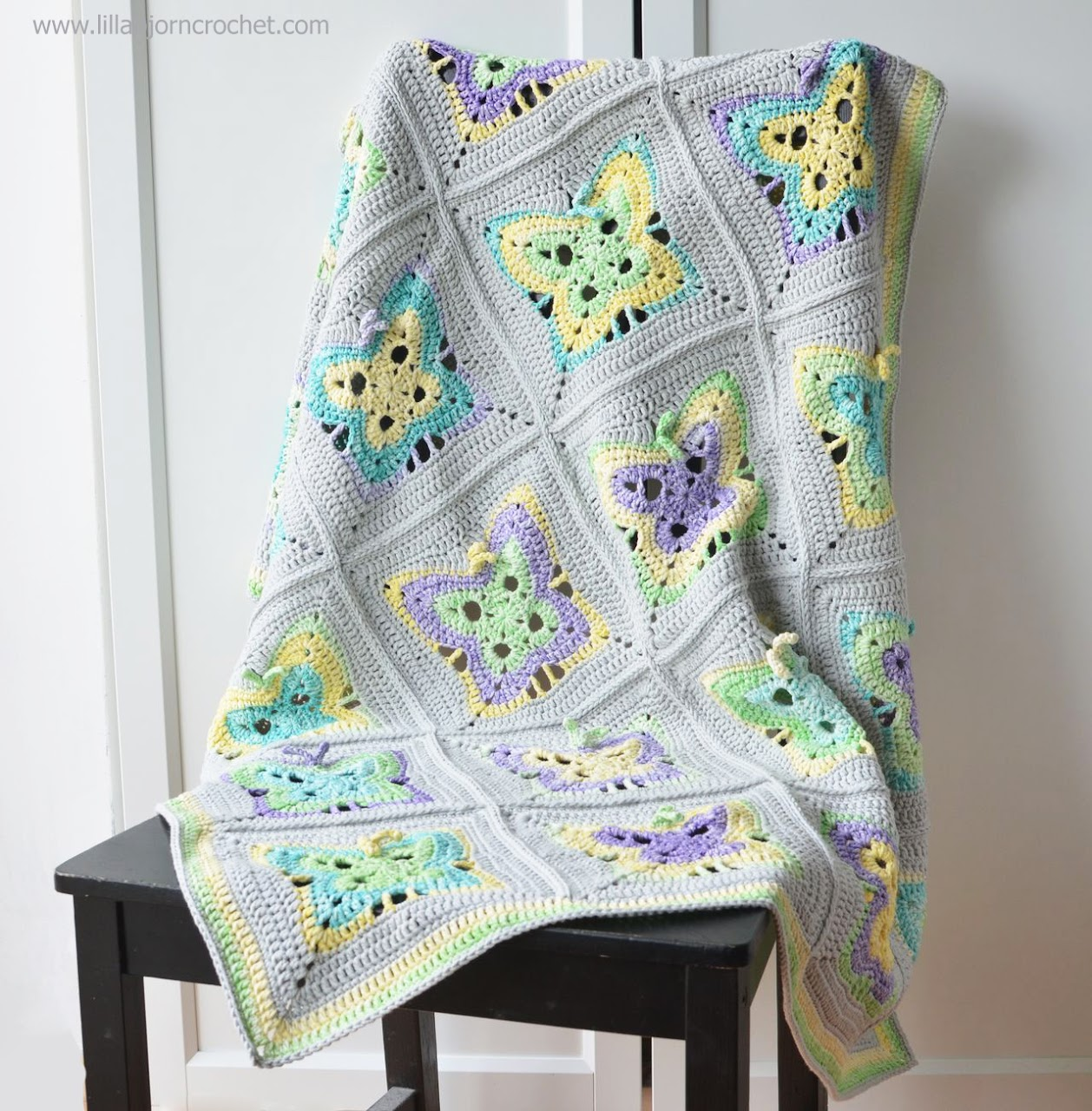 Moonlight Butterfly baby blanket. Crochet pattern by Lilla Bjorn Crochet
