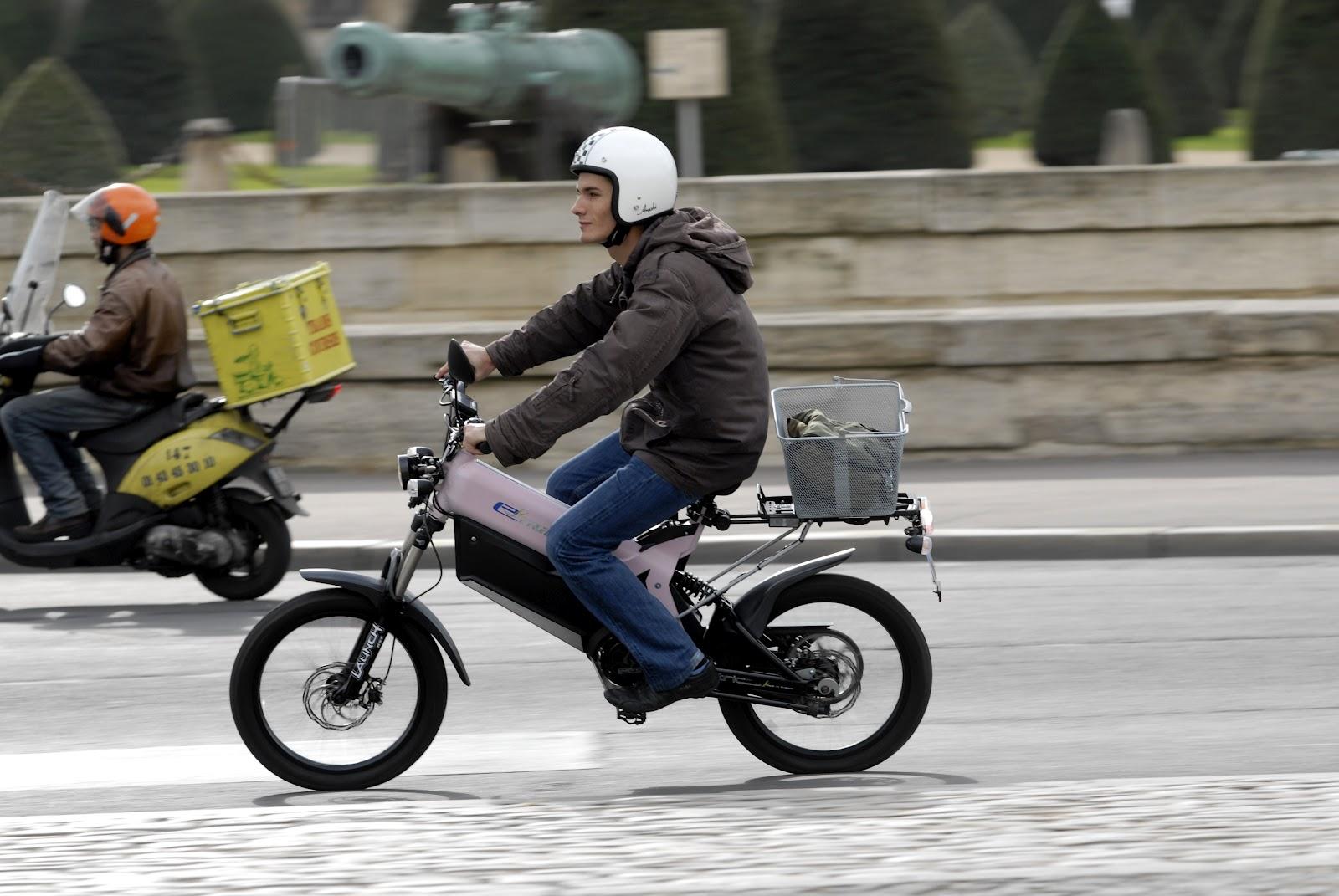 vivre sans voiture v lo et scooter lectrique choisir un scooter lectrique. Black Bedroom Furniture Sets. Home Design Ideas