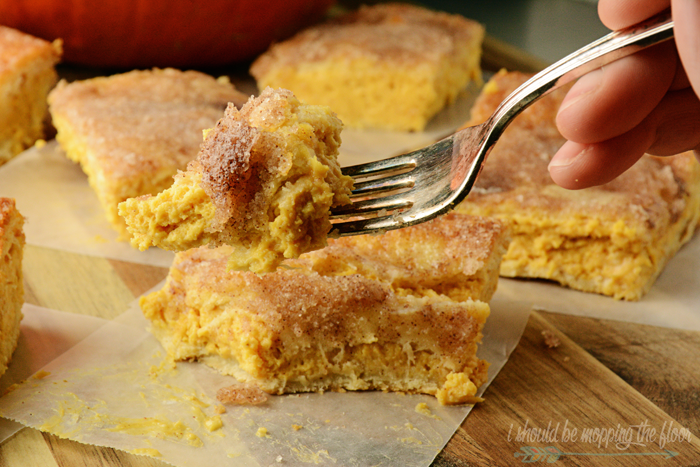 Pumpkin Pie Sopapilla Cheesecake | Delicious fall dessert that starts from crescent rolls!