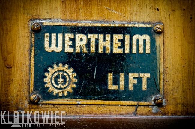 Gdynia: przedwojenna winda Wertheim Wien