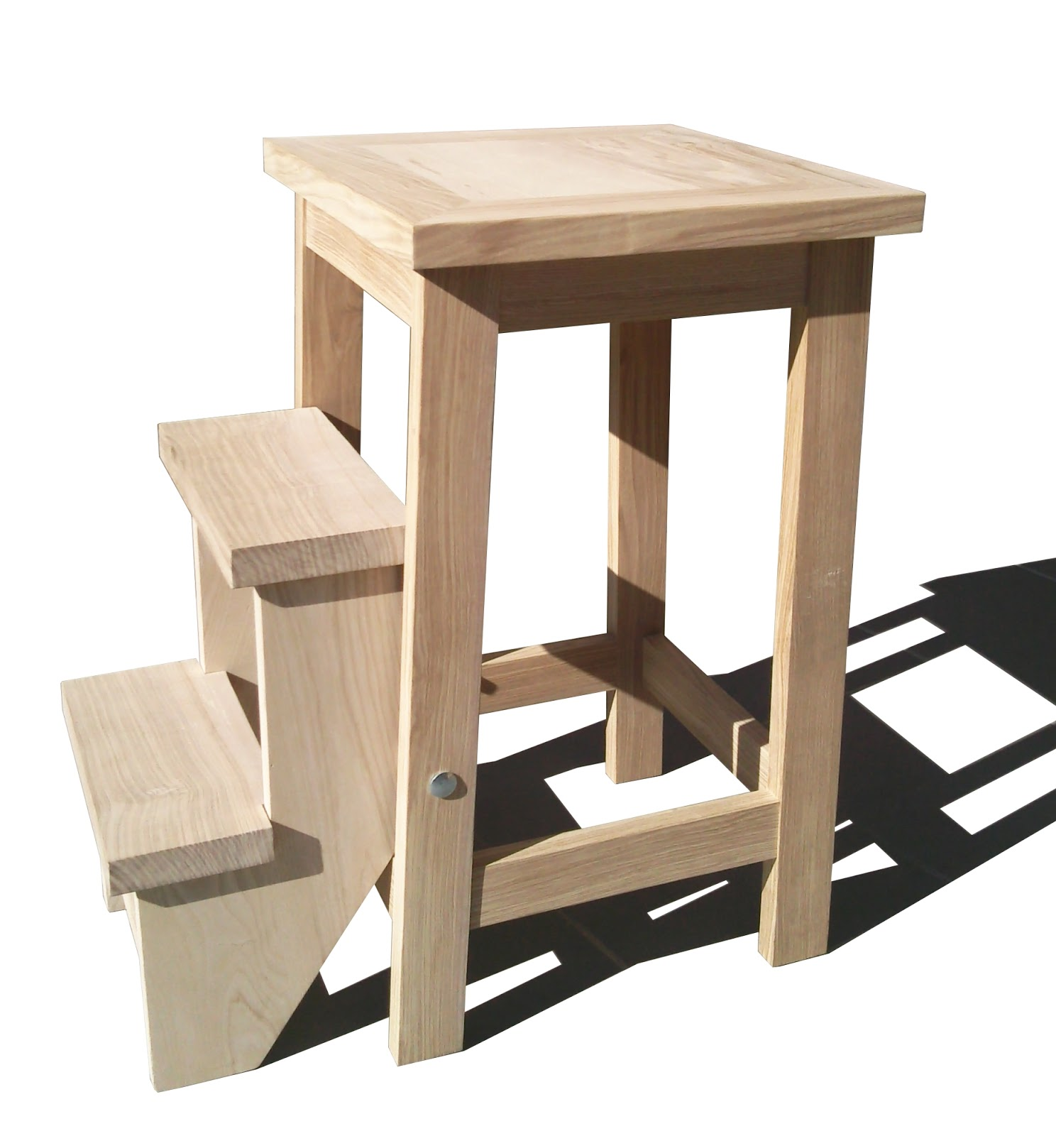 atelier de menuiserie tabourets tables. Black Bedroom Furniture Sets. Home Design Ideas