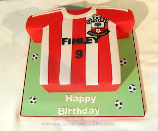 saints  football shirt cake
