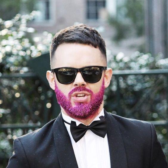 glitter na barba