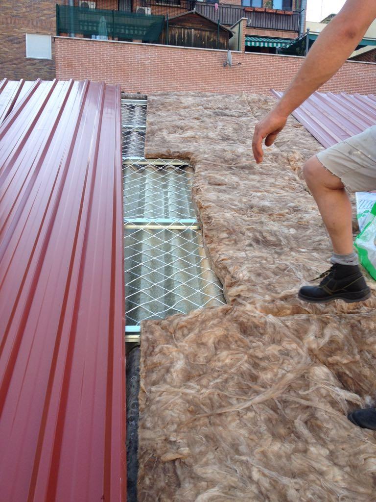 Montadores de techos tejados y fachadas panel madrid - Materiales para tejados ...