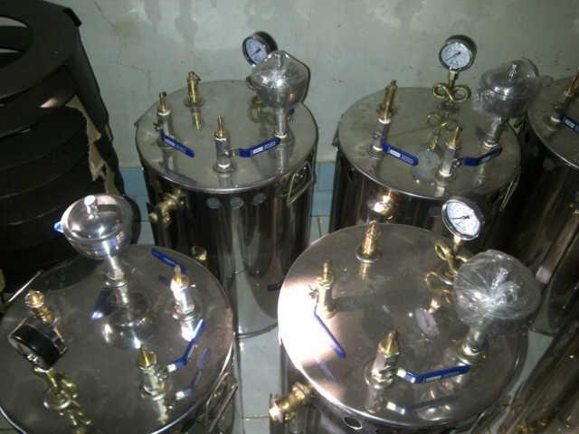 http://www.tukanglaundry.com/2012/11/setrika-uap-boiler-laundry.html