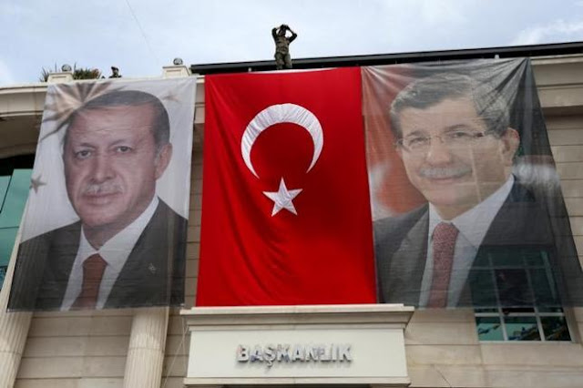 Τουρκία: Πόλεμος εξουσίας με σοβαρές απώλειες