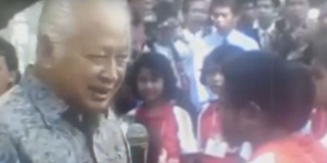 Manakutkan bin Horor! Beginilah Jawaban Presiden Soeharto Saat Ditanya Anak SD 'Kok Presiden Cuma Satu'