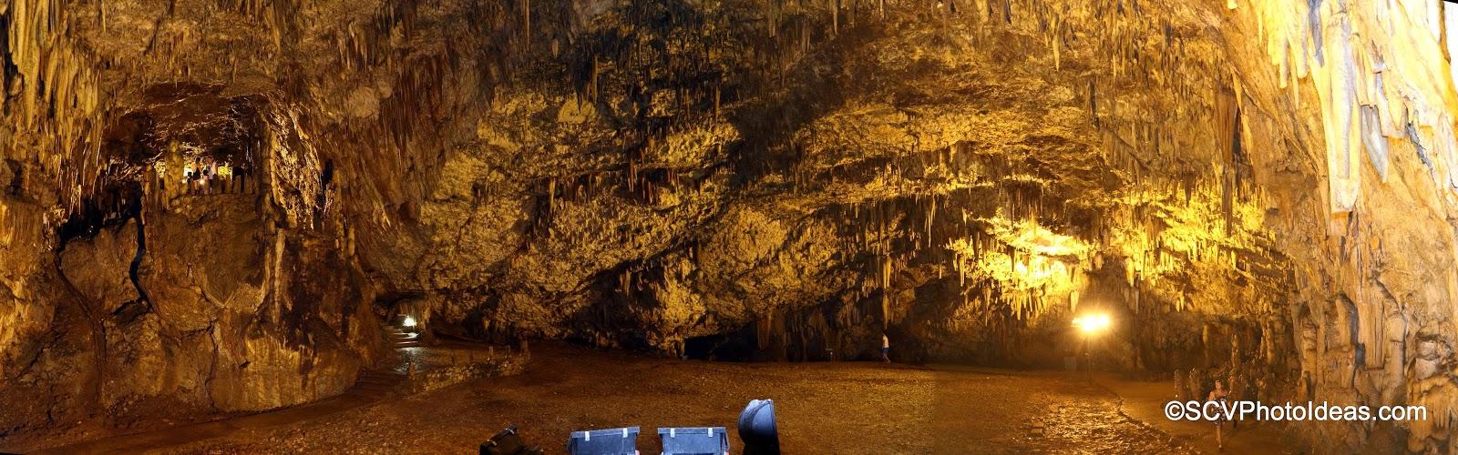 Drogarati Cave main chamber 180° panorama