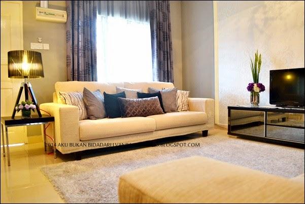 A Susun Atur Sofa Jer Aku Ubah Sikit Memanjang Lurus Jadi Ruang Lebih Luas Dan Kawasan Dapur Terlindung Dari Pandangan Tetamu