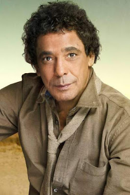 قصة حياة محمد منير (Mohamed Mounir)، مغني مصري.