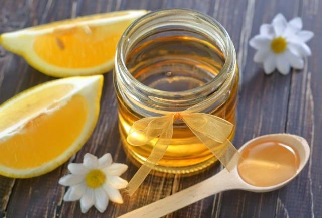 Campuran Madu Dan Lemon Hilangkan Bintik Hitam Di Muka