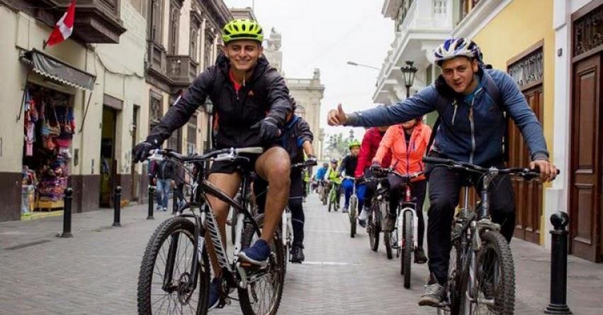 DRELM celebra la Educación Básica Alternativa con bicicleteada - www.drelm.gob.pe