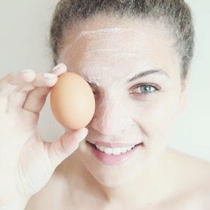 Menggunakan Putih Telur