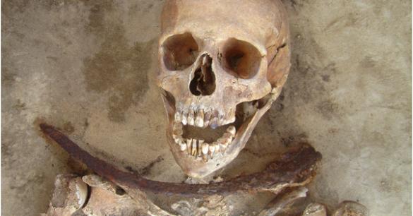 Pemakaman Di Polandia Menggunakan Sabit Untuk Mencegah Mayat Bangkit Dari Kubur