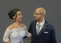 statuine personalizzate idee regalo moglie marito occhiali statuetta orme magiche