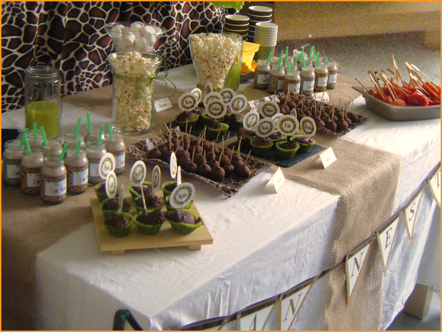 sweet table decoration jungle