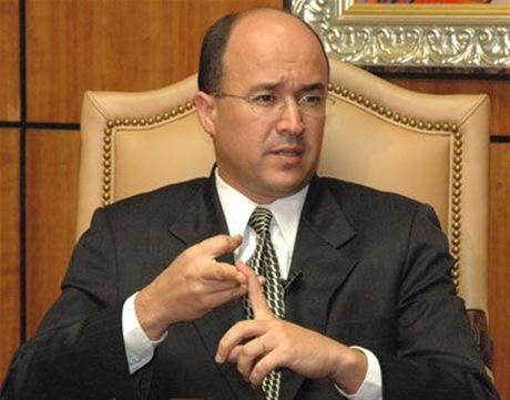 Domínguez Brito pide destitución inmediata de Félix Bautista y Víctor Díaz Rúa