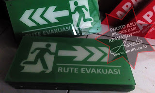 Signage khusus evakuasi dari Acrylic