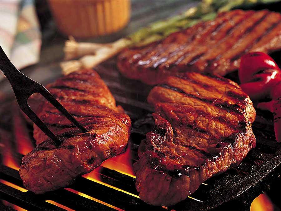 فوائد اللحوم الحمراء وأضرارها