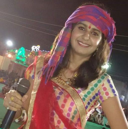 Best Whatsapp Status In 2016 Gujarati Singer Kinjal Dave -3509