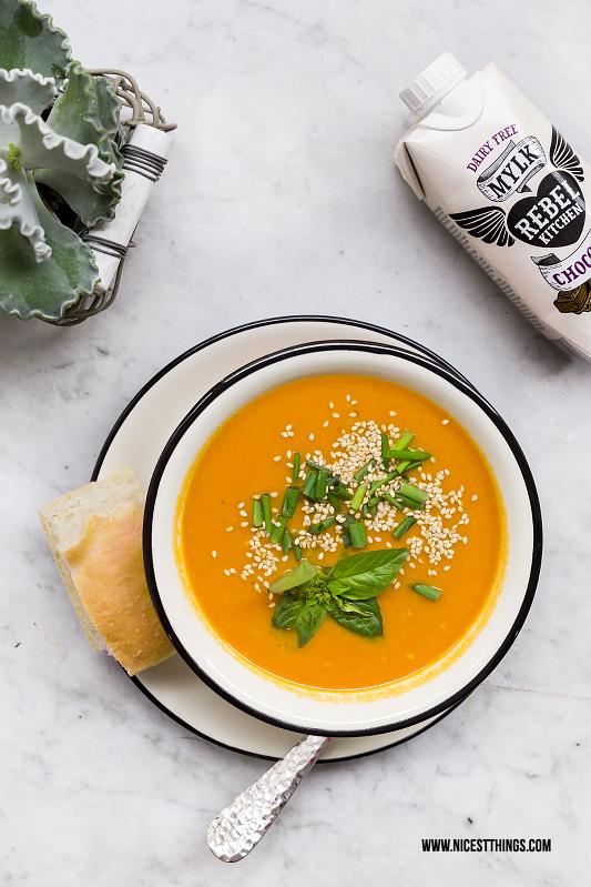 Karottensuppe von Franz Soupmarine mit Rebel Kitchen Mylk