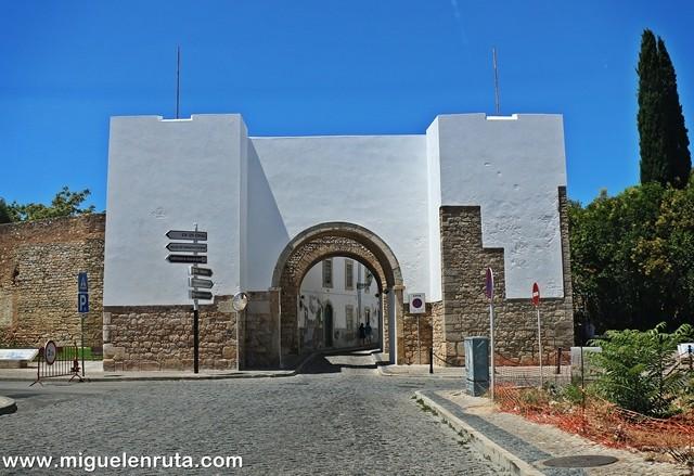 Arco-Inicio-Vila-Adentro