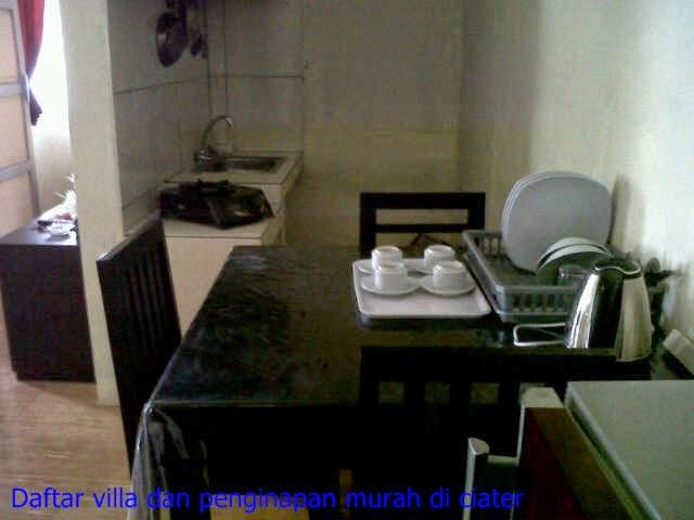 ruang makan di villa ciater