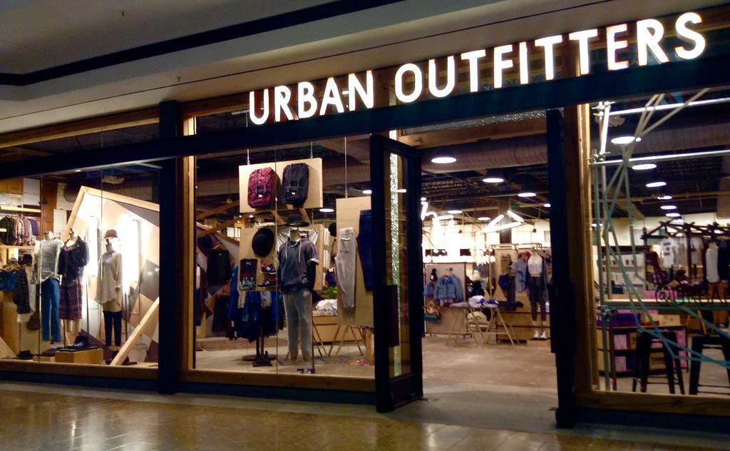 lojas urban outfitters em nova york dicas de nova york. Black Bedroom Furniture Sets. Home Design Ideas