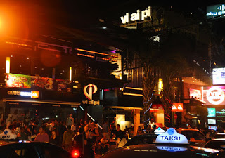 All About Bali Legian Street Kuta Bali Clubbing Tourists Favorite