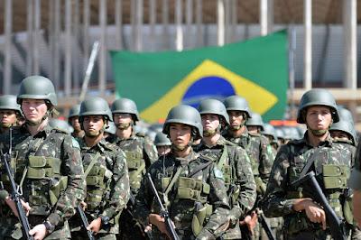 Brasil prevé un aumento de 3.455 millones de dólares en el presupuesto de Defensa. 28478712925_ec48785d81_k