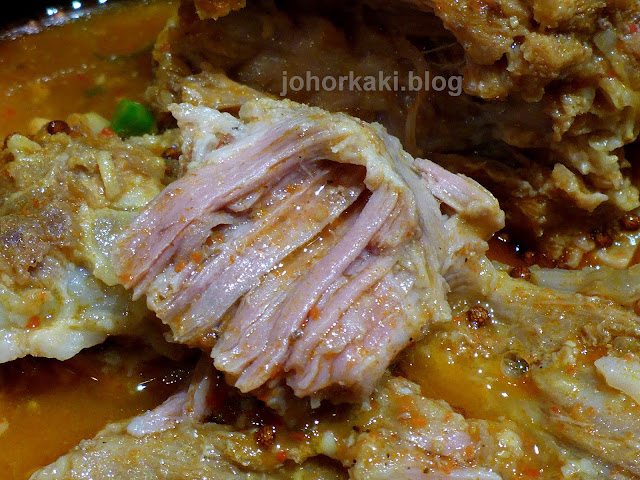 Gamjatang-Pork-Bone-Soup-Little-Piggy's-Koreatown-Toronto