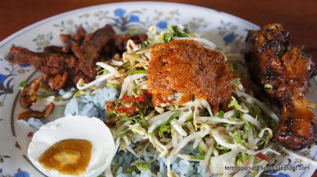 Hasil carian imej untuk Nasi kerabu Fauzi