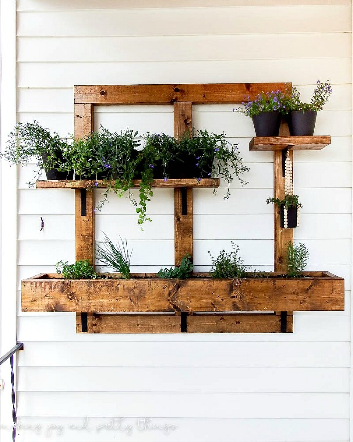 Hanging vertical herb planter
