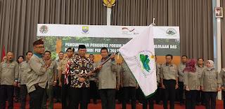 Sekda Mengukuhkan Pengurus Forum Koordinasi Pengelolaan DAS Provinsi Jambi Periode 2018 - 2023.