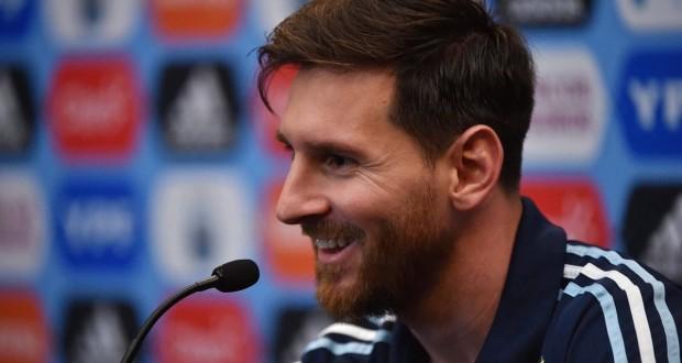 الواتساب يتسبب باستبعاد لاعب من منتخب الأرجنتين !